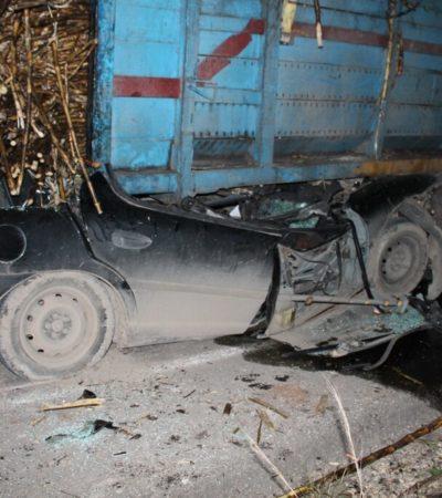Muere conductor prensado bajo un camión cañero en Pucté