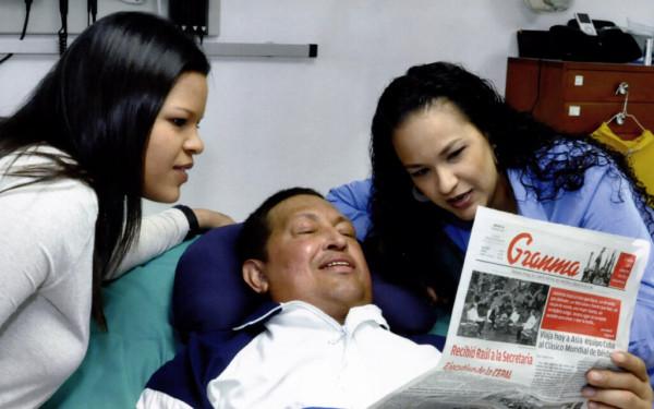 Difunden primeras fotos de Chávez tras operación en Cuba