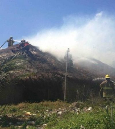 Incendio en restaurante 'Las Piñatas' en zona turística de Playa deja 4 intoxicados