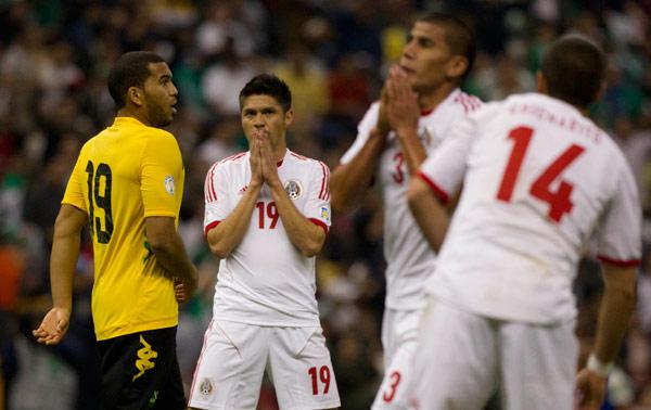 """RUMBO AL MUNDIAL BRASIL 2014: No puede el Tri contra Jamaica… y el """"Maza"""" Rodríguez desquita su frustración con señal obscena"""
