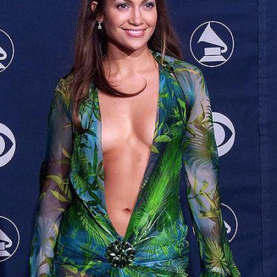 Los Grammy se ponen mojigatos: no quieren traseros ni pechos femeninos al aire