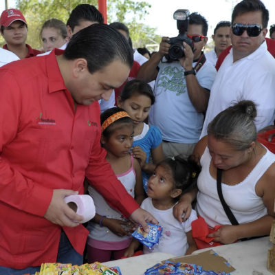LA BURLA DE BORGE: Dice Gobernador que no suspenderá programa 'basura por alimento' durante el proceso electoral