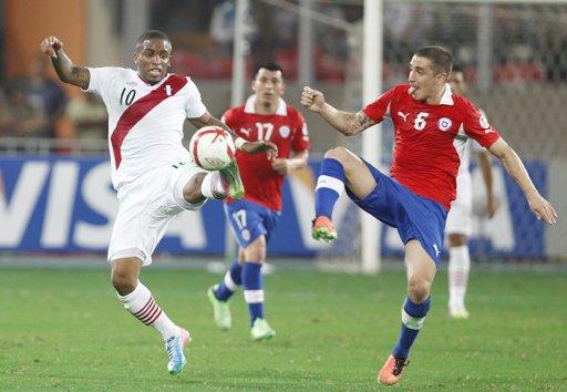 ELIMINATORIAS RUMBO AL MUNDIAL: Cae Chile 1-0 ante Perú