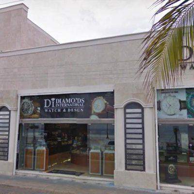 ROBO Y BALACERA EN COZUMEL: Hombres armados asaltan la joyería 'Diamonds International'; capturan a 13 presuntos ladrones, pero cabecillas escapan con botín de 2 mdd en relojes