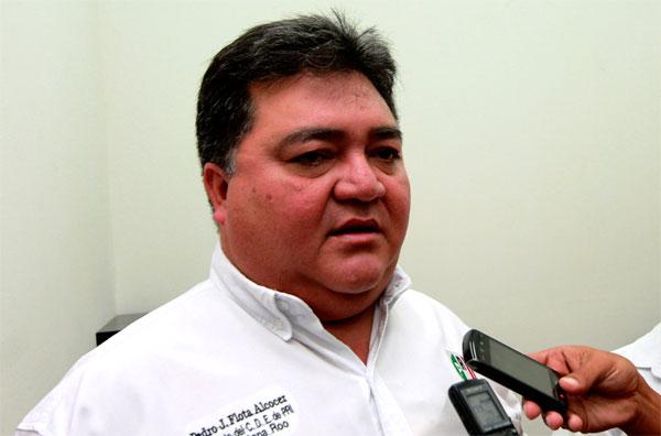 """Recurre Pedro Flota al refranero para aquietar a los adelantados: """"en política no por mucho madrugar amanece más temprano"""""""