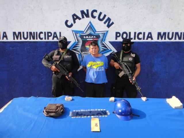 Arrestan a narcomenudista en la Región 221 de Cancún