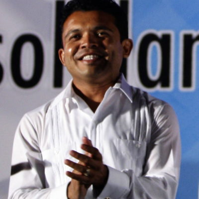 Analiza Hugo Sánchez Montalvo dejar Alcaldía de Isla Mujeres para buscar diputación