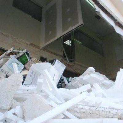 Derrumbe del piso en un local de 'Plaza América' de Cancún