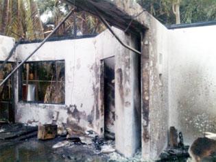 INCENDIO EN HOTEL VICEROY DE PLAYA: Consume el fuego 5 villas en Xcalacoco; no hay heridos