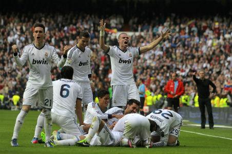 Con suplentes, el Real Madrid le asesta una nueva derrota al Barsa