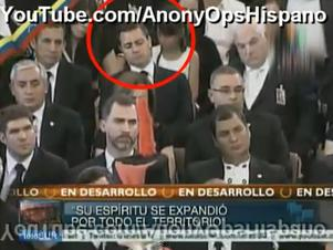 Se burlan de Peña Nieto por video donde aparece supuestamente dormido en el funeral de Hugo Chávez