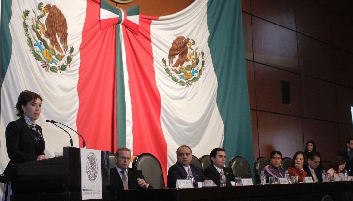 No hubo criterio electoral al elegir a los 400 municipios de la Cruzada contra el Hambre, dice Rosario Robles ante el Congreso