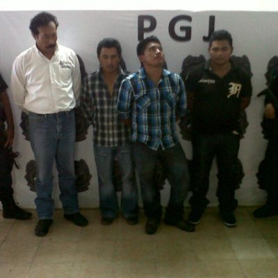 Detienen PEP a personal del ayuntamiento de Benito Juárez por desmontar publicidad ofensiva