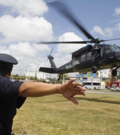 Realiza espectáculo helicóptero 'Black Hawk' de la Policía Federal en Cancún