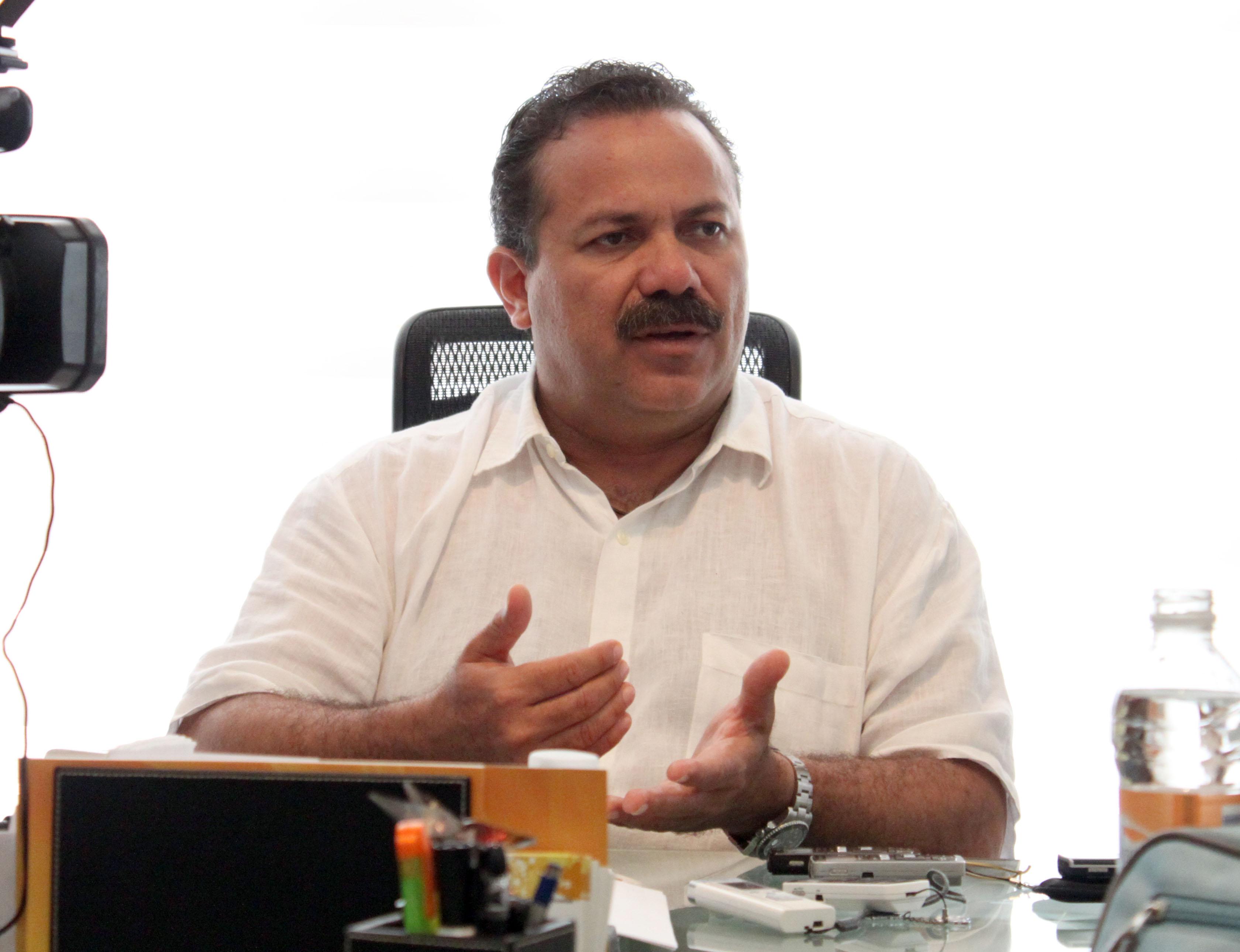 """SIGUE DISPUTA POR DINERO PÚBLICO: Evidencia retención de recursos a Cancún """"mal manejo de las finanzas"""" del Gobierno de Borge, acusa Julián Ricalde"""