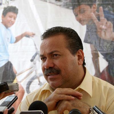 Exhorta Alcalde Julián Ricalde a maestros a no afectar actividad turística en Cancún