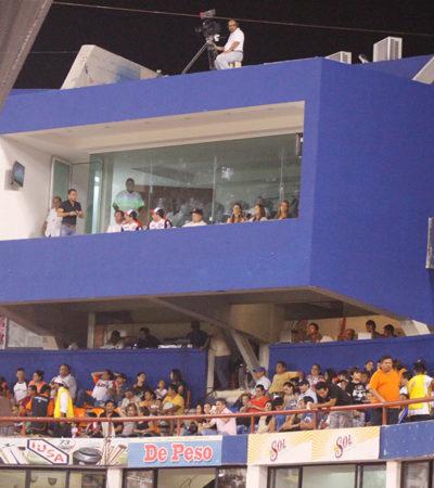 """Exhiben a Borge por gastarse 3 mdp para construirse un palco de lujo en el estadio """"Beto Ávila"""" para ver a los Tigres"""