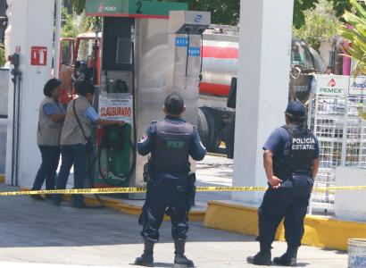 Clausura Profepa gasolinera bajo sospecha en Chetumal tras derrame de combustible