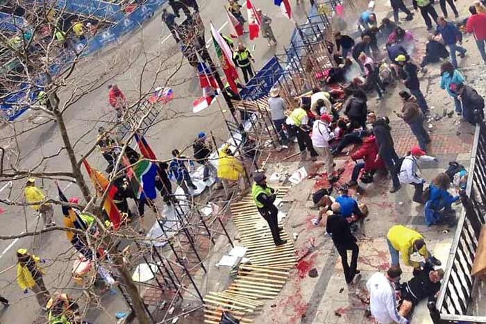ATENTADOS CON BOMBAS EN BOSTON: Al menos 3 muertos y 144 heridos en explosiones en maratón; reportan estallido en biblioteca JFK