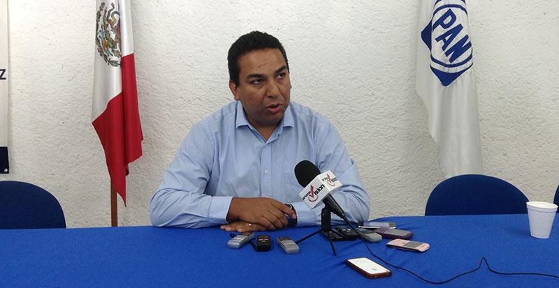 Regresará Marcelo Rueda al Cabildo tras ser desplazado de candidatura a diputación por conductora Karla Romero en el PAN