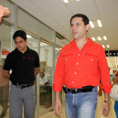 """""""DISPARA Y DESPUÉS 'VERIGUAS'"""": Denuncia Greg Sánchez """"campaña pagada"""" de la AFIP de Argentina porque actúa """"como Pancho Villa"""""""