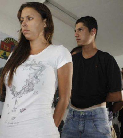 Consignan a integrantes de banda de clonadores de tarjetas detenidos en Cancún