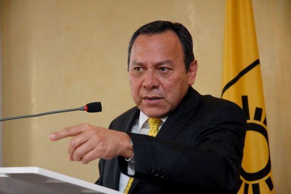 Respalda Zambrano la alianza 'de facto' PAN-PRD en QR y rechaza 'maniobras' de Borge para evitar derrota