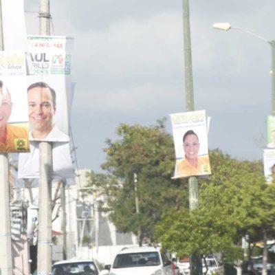 DISPUTAN CALLES DE CANCÚN: A Paul Carrillo sí le importa el tamaño… de los carteles