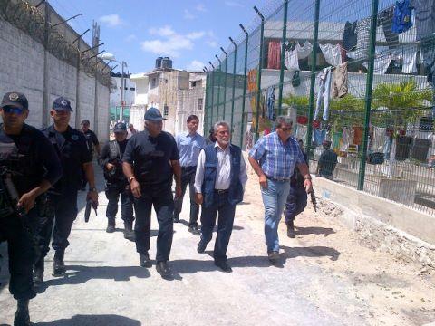 Extraña movilización en la cárcel: Anuncian cambio del Alcaide, pero todo deviene en operativo de Bibiano Villa