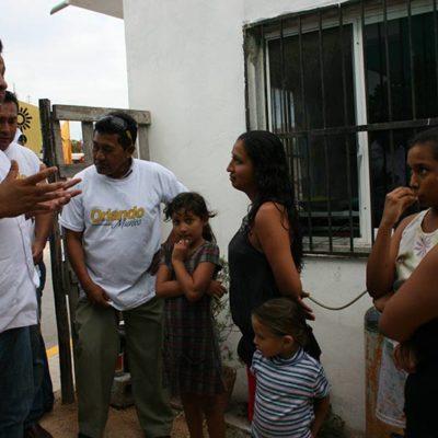 CAMPAÑAS: Recibe Orlando Muñoz lluvia de demandas de vecinos de la Nueva Creación en Playa