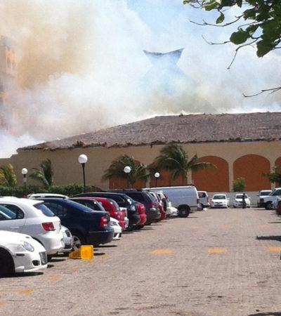 INCENDIO EN ZONA HOTELERA: Consume el fuego palapa del hotel Fiesta Americana Cancún