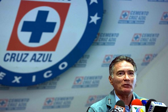 Renuncia Alberto Quintano, director deportivo del Cruz Azul, tras fracasar ante el América