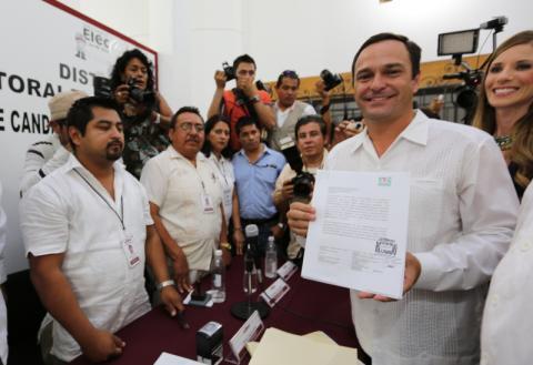 Se registran en Cancún candidatos del PRI, PT y Movimiento Ciudadano