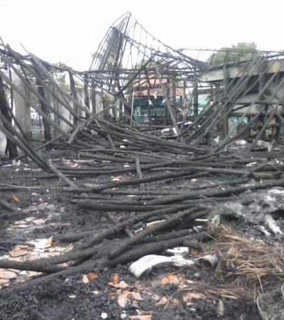 Apunta incendio en 'El Timón de Cancún' a una venganza del crimen organizado por denunciar extorsión