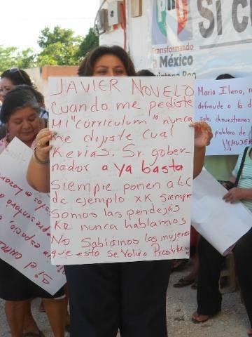 Se manifiestan mujeres priistas contra imposiciones de Borge en Lázaro Cárdenas