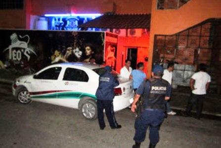 Detienen a presuntos agentes federales por supuestos balazos al aire en un antro en Chetumal