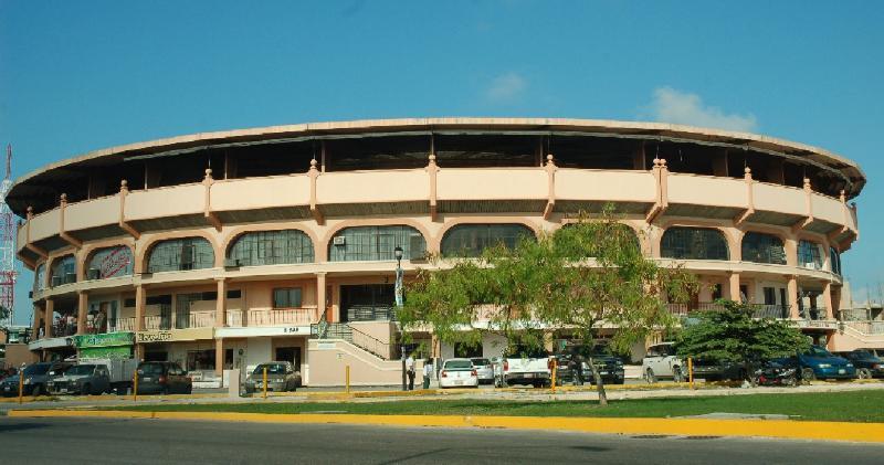 Caen extorsionadores del CDG cuando exigían 'derecho de piso' en negocio de la Plaza de Toros de Cancún