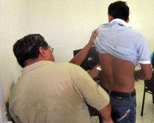 Denuncia joven brutalidad policiaca en Cozumel