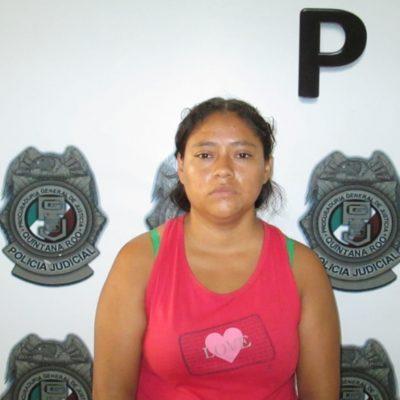Recluyen en la cárcel de Cancún a madre que hirió en el cuello a su hija de tres años