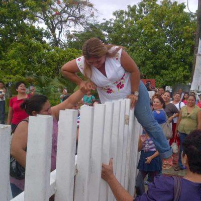 MAESTROS, AL LÍMITE: Amenaza el magisterio de QR con 'voto de castigo' contra el PRI por desvíos de recursos