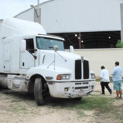 LE CAEN A TRAILER CON DESPENSAS: Acusa diputada federal al PRI por trasiego de apoyos electorales en zona continental de Isla Mujeres