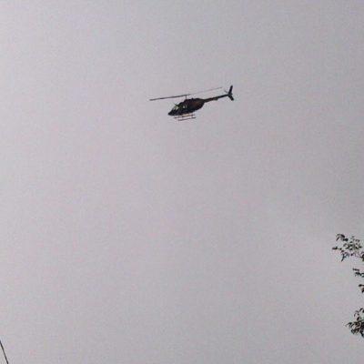 En helicóptero, sobrevuelan diputados Cancún para documentar el 'turismo electoral' en QR