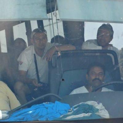 Interceptan policías camión en Cozumel ante alerta por presunto 'grupo de choque' para provocar disturbios en comicios