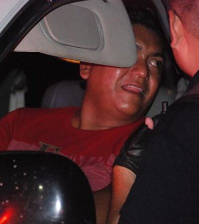 Da policía paliza a su esposa, la intenta atropellar y luego golpea a reportero