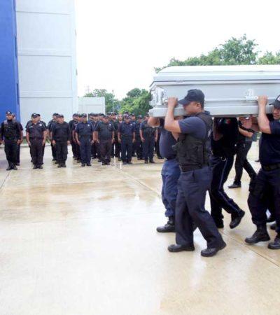 Rinden homenaje luctuoso a Gumersindo Martínez, mando policiaco ejecutado en Cancún