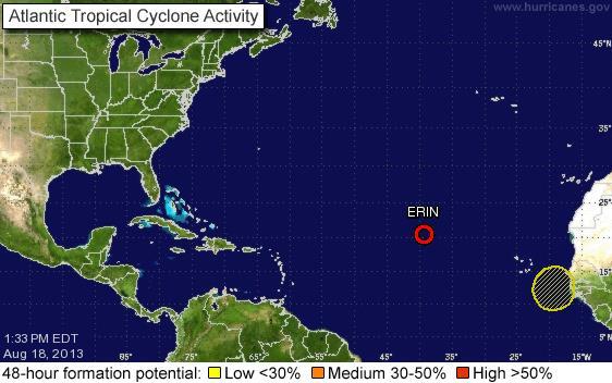Surge otro sistema de baja presión en el Atlántico, mientras 'Erin' se debilita