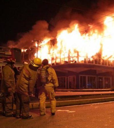 Ordenan demolición de edificio de la Cobá tras el incendio que consumió 'Galerías El Triunfo'
