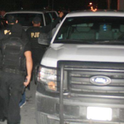 Realizan policías judiciales redada en el antro 'La Santanera' de Playa por ejecución de 'tirador' independiente