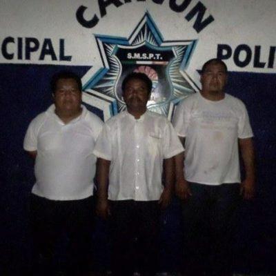 Detienen a 3 taxistas por robo de vehículos en Cancún