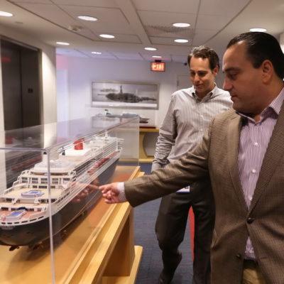 Viaja Borge a Miami para negociar más arribos de cruceros, según boletín de prensa